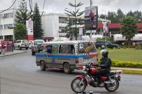 Левостороннее движение в Танзании