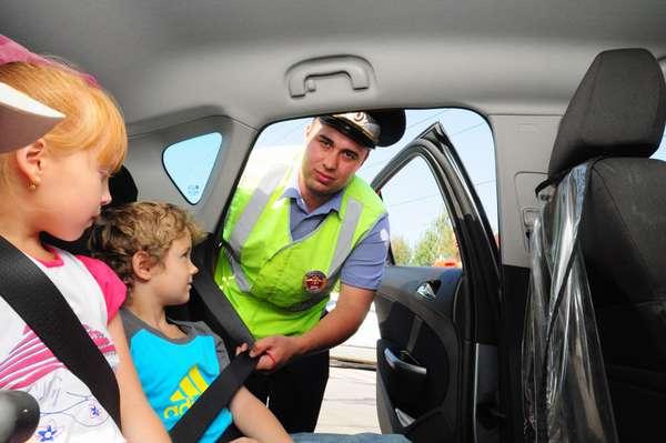 Штраф за перевозку ребенка на переднем сиденье