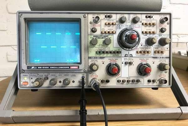 Технический прибор осциллограф