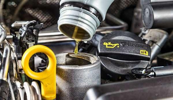 Какой расход масла в двигателе автомобиля считается нормальным