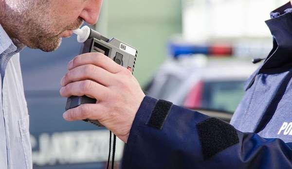 Как должно проводиться освидетельствование водителей на состояние алкогольного опьянения