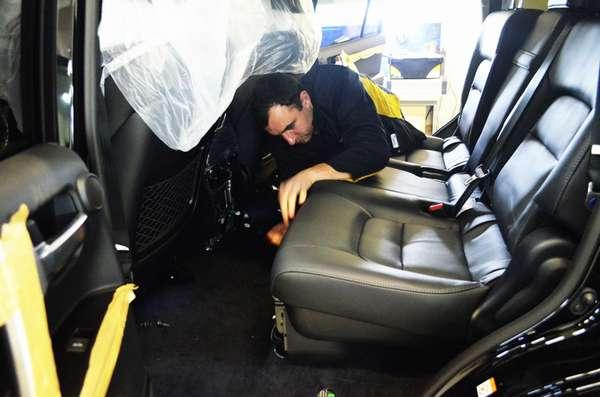Демонтаж сидений автомобиля