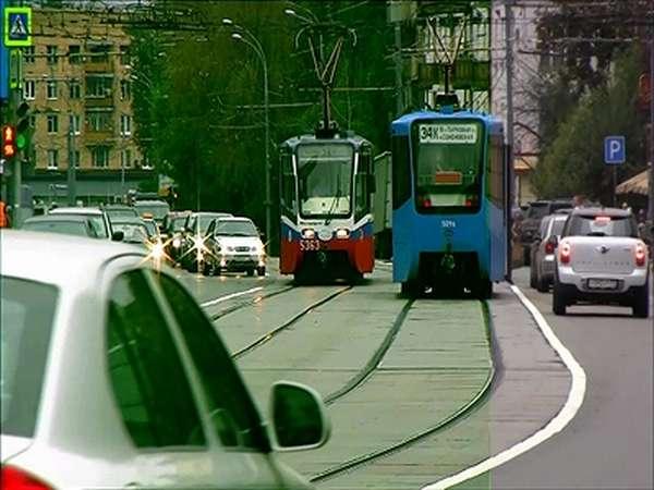 Если случайно двигался по трамвайным путям попутного направления штраф