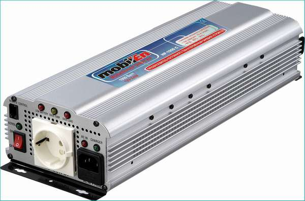 Автомобильный инвертор MobilEn 1500
