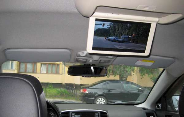 Установка потолочного автомобильного монитора