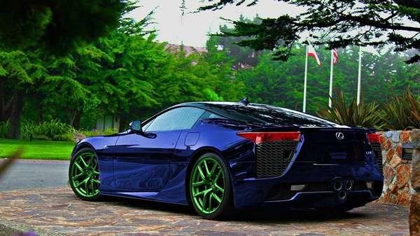 Авто синего цвета