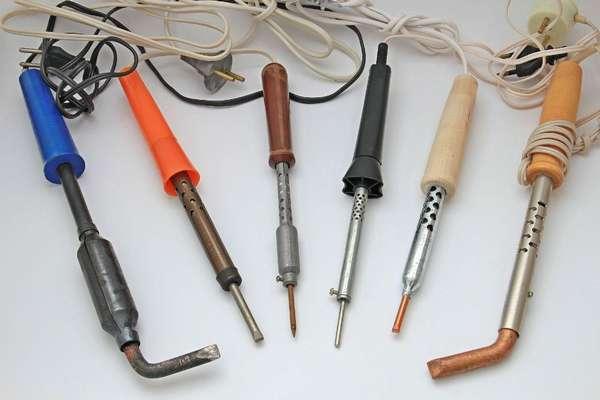 Стандартный бытовой нагревательный прибор на 40–60 Вт после усовершенствования жала применим для сварки полиэтиленовой пленки