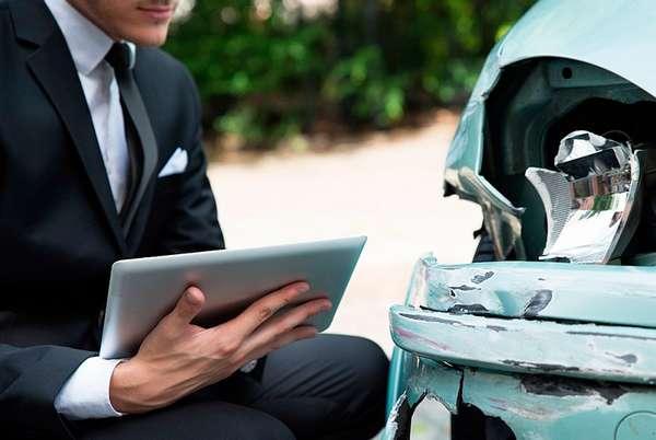 Автоюристы по страховым выплатам - как получить помощь?