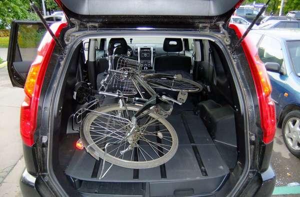 Транспортировка велосипеда в салоне автомобиле
