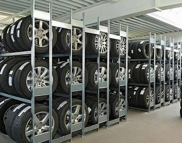 Металлический стеллаж для колес и шин