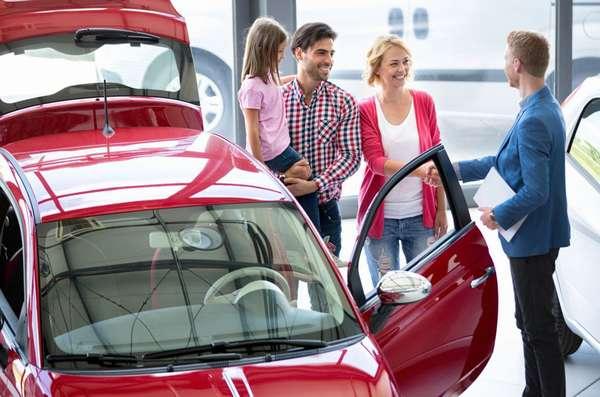 Покупка машины в кредит в автосалоне