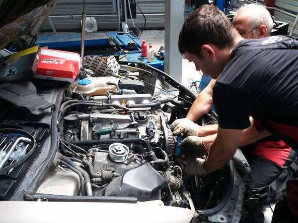 Разборка мотора автомобиля