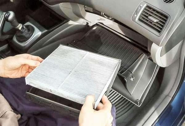 Как поменять салонный фильтр в автомобиле