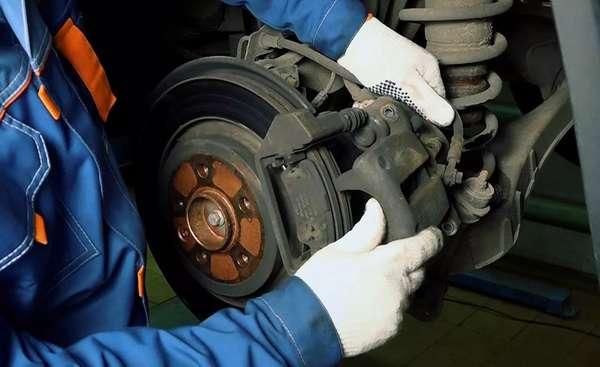 Замена тормозного диска в машине