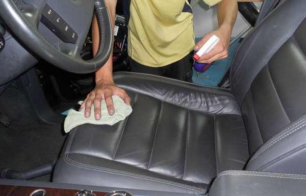Очистка автомобильных чехлов