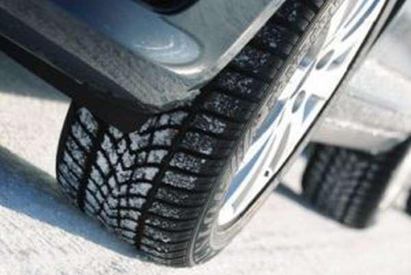 Основные требования ПДД для зимних шин