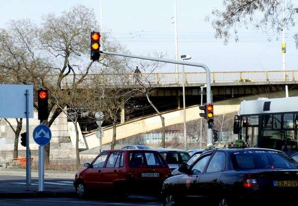 Как тормозить и трогаться на светофоре