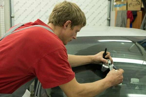 Ремонт лобового стекла авто