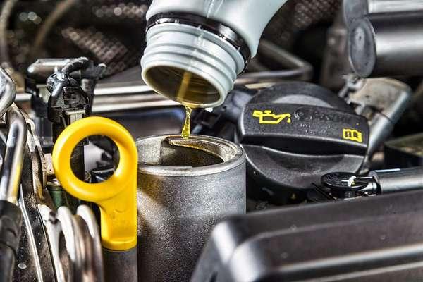 Расход масла в двигателе автомобиля