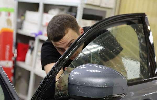 Тонировка боковых стекол автомобиля