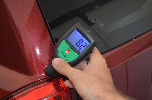Использование толщинометра для автомобиля