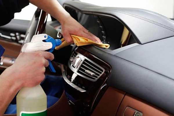 Как провести химчистку салона автомобиля