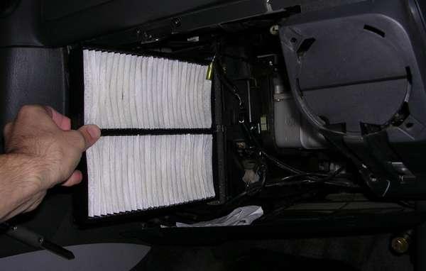 Какой выбрать фильтр салона: угольный или обычный