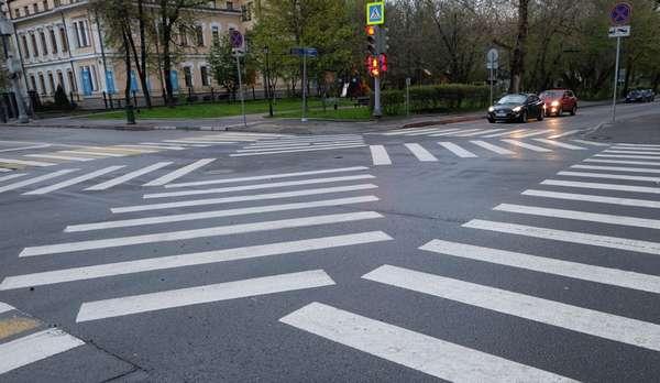 Перекрёсток с пешеходными переходами