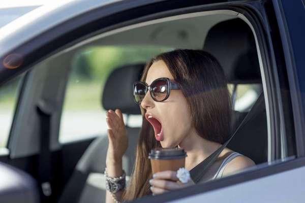 Кофе за рулём может помочь