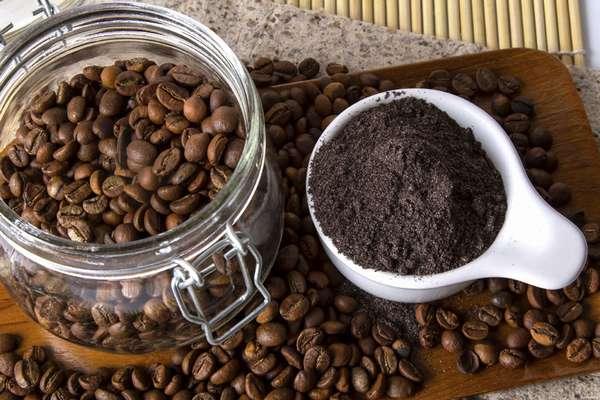 Зерна кофе против запаха