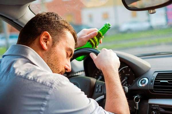 Нахождение за рулем в пьяном виде