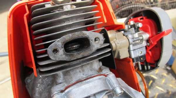 Чем отличается двухтактный двигатель от четырёхтактного