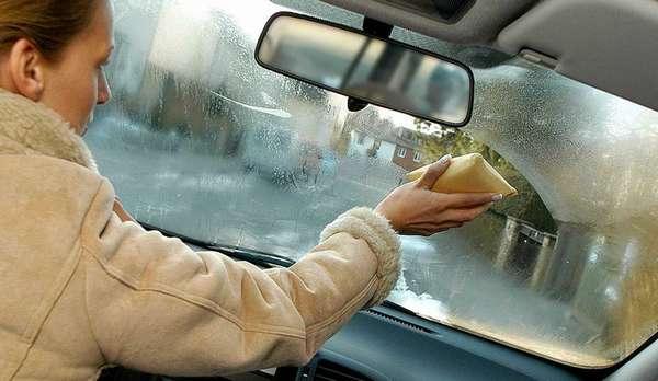 Что делать, если потеют стёкла в машине