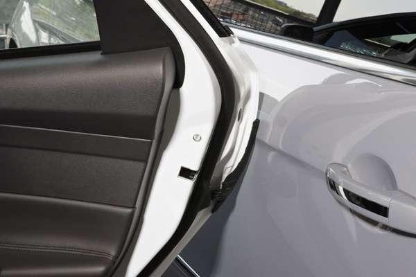Как выбрать защитные накладки на дверь автомобиля